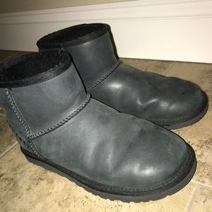 Black leather Uggs, size 6